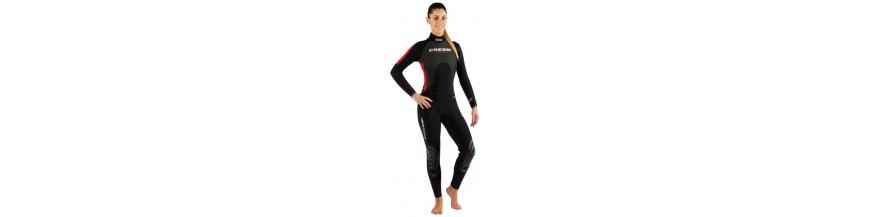 combinaison humide femme de plongee sous marine